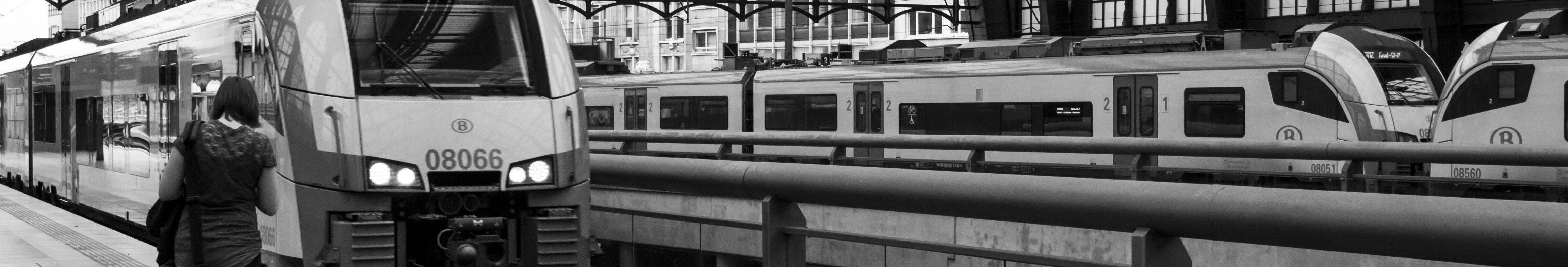 Banner met trein in Antwerpen